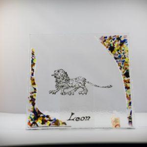 GR0023-BANDEJA_LEON_Y_LETRAS_ONDAS_ESCAMAS_LATERALES